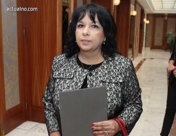 photo of Петкова: Сигурността на електроенергийната система не се определя от собствениците на дружествата