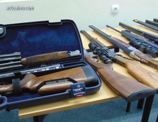 photo of ЕК: Необходим е по-стриктен контрол върху износа на оръжия от ЕС