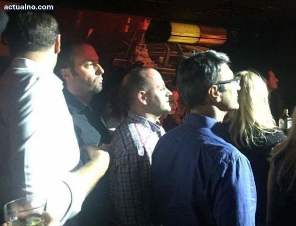 """photo of Трайков и Кънев на концерт на """"Ъпсурт"""" часове преди вота"""