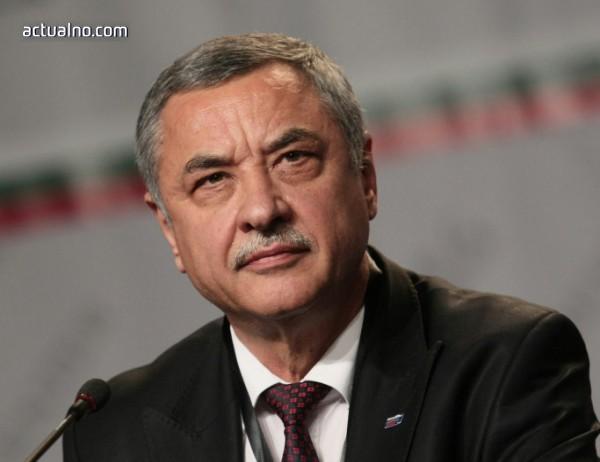 photo of Симеонов очаква от Каракачанов да си изчистят отношенията