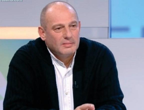 photo of Калин Илиев: Вярвам, че властта може да бъде победена от любовта