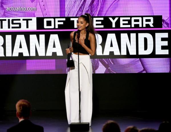 "photo of Ариана Гранде е ""Жена на годината"" според Billboard"