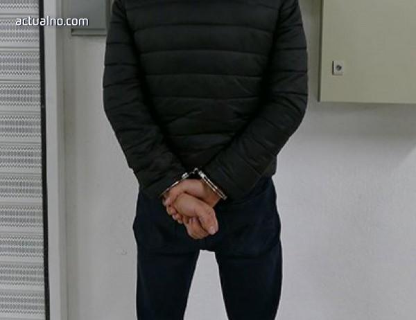 photo of От отнета книжка за неплатени глоби плевенски полицаи стигнаха до 10 кг марихуана, пистолет и заглушител