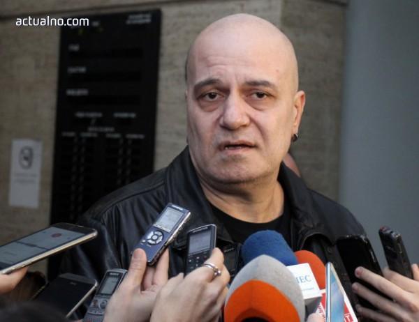 "photo of Слави за корупцията: ""Ало, Ваньо"" просто става ""Ало, Пацо"""