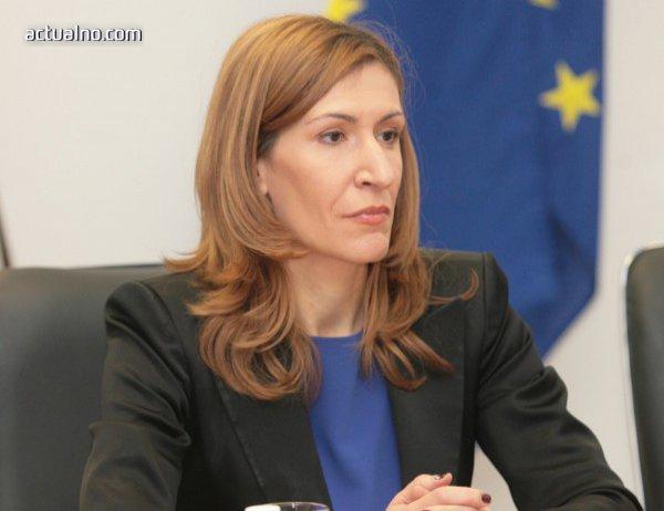 photo of Ангелкова: Работим по създаването на туристически инспекторат