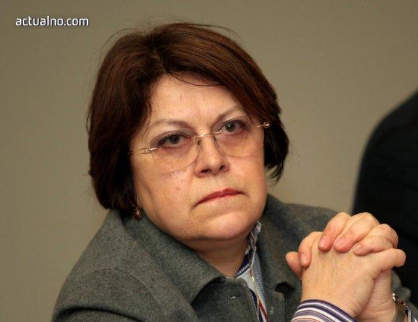 photo of Дончева: Цачева и Захариева не са професионалисти. Това е правителство на универсални министри
