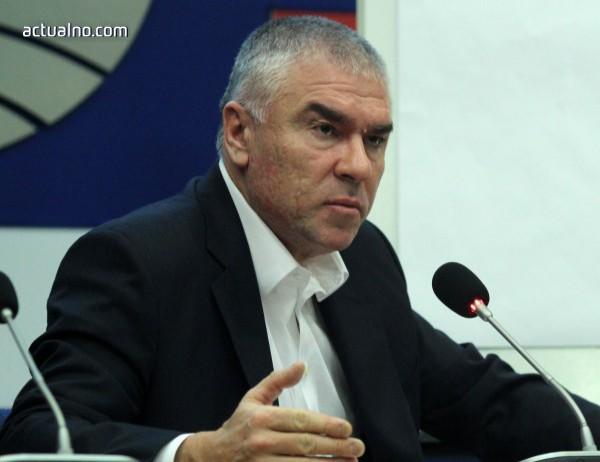 photo of Марешки поиска оставката на Каракачанов