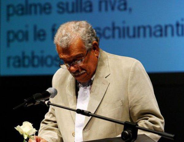 photo of Почина поетът и носител на Нобелова награда Дерек Уолкът