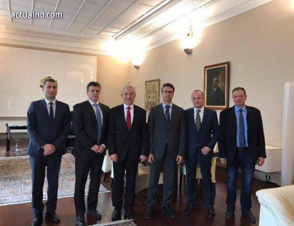"""photo of """"Нова Република"""" и Герджиков бистрят позицията ни по казуса с """"Газпром"""""""