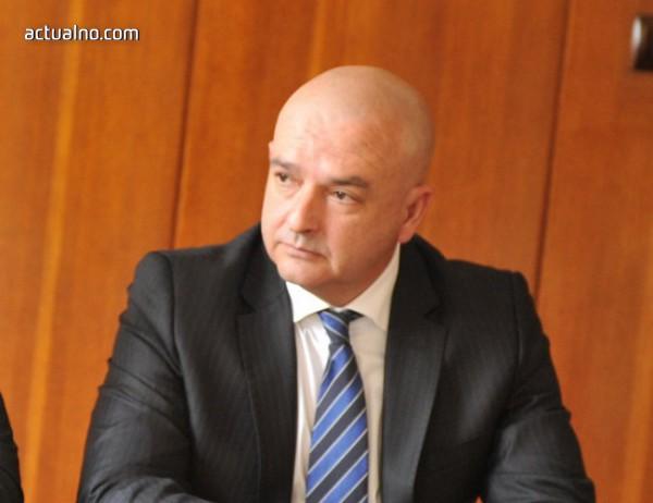 photo of Полк. Венцислав Мутафчийски остава началник на ВМА