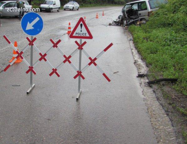 photo of Тежка катастрофа между Кресна и Сандански, един загина, шестима са ранени