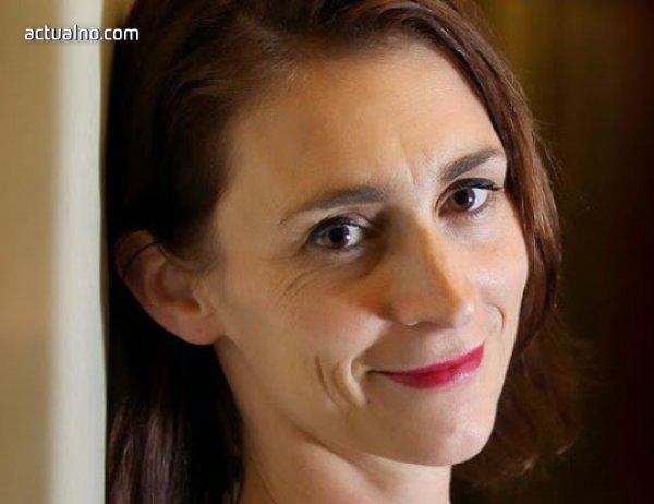 photo of Емили Бар разказва история за порастването,  която започва с една целувка