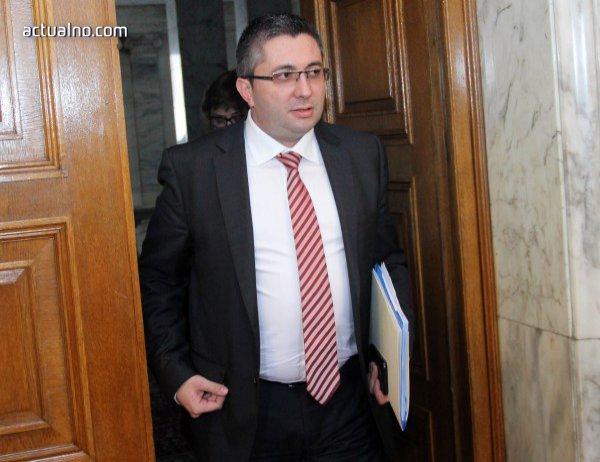 photo of Регионалният министър няма да проверява Facebook-а на заместниците си