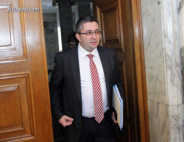 photo of Министър Нанков: Губим около 1.5 млн. лв. приходи на ден заради забавянето на ТОЛ системата