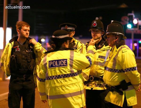 photo of Експлозия предизвика спешна евакуация на театър във Великобритания