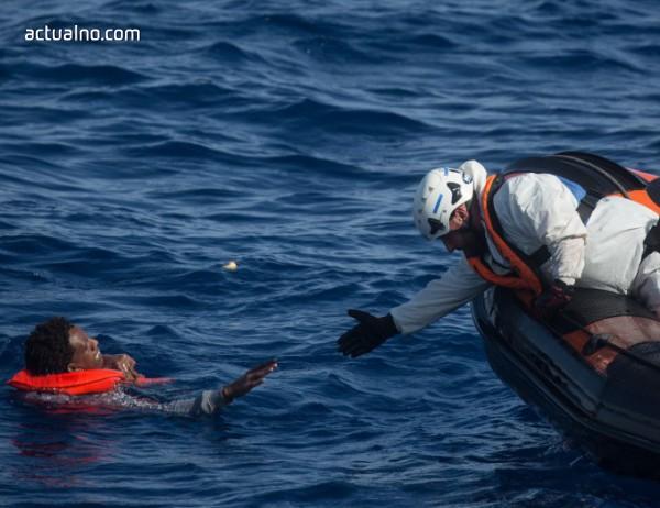 photo of Десетки мигранти загинаха при бреговете на Либия