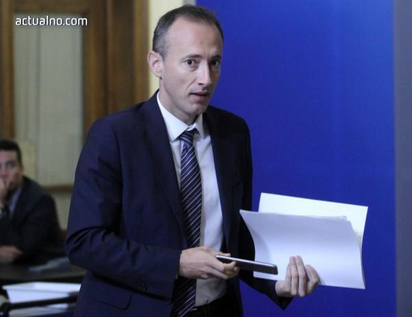 photo of Вълчев: Намаляването на административната тежест е важна задача пред МОН
