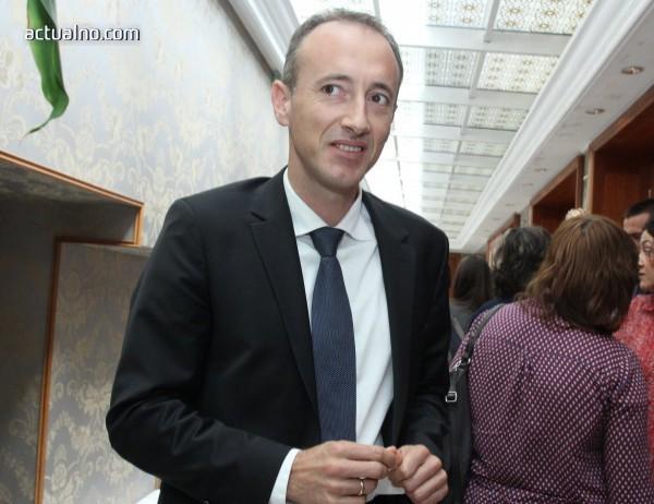 photo of Вълчев: С бюджетната рамка за следващите години ще увеличаваме разходите за дуално обучение