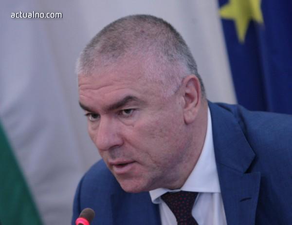photo of Марешки: Няма да подкрепим вота на недоверие, но искаме оставка на Каракачанов