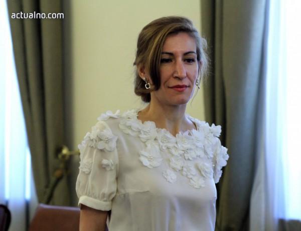"""photo of Ангелкова отиде на """"Оскар""""-ите и казва, че е за собствена сметка (СНИМКИ)"""