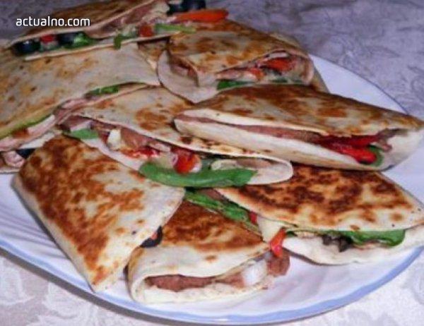 photo of Рецепта на деня: Вкусни сандвичи с тортиля