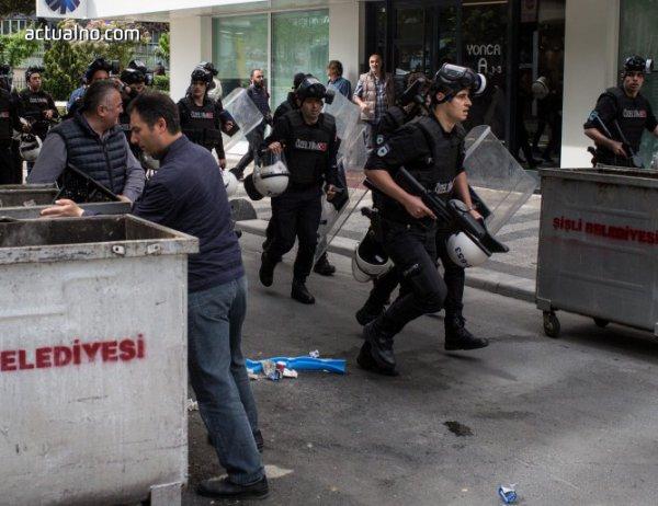 photo of В Турция задържаха още 115 души по подозрение във връзки с Гюлен