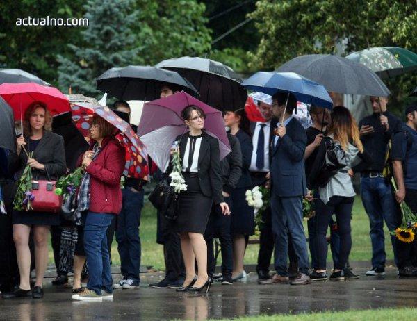 photo of Стотици се сбогуваха с доц. Кристиан Таков (СНИМКИ)