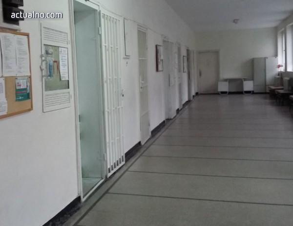 photo of Ловешката болница няма да спре работа