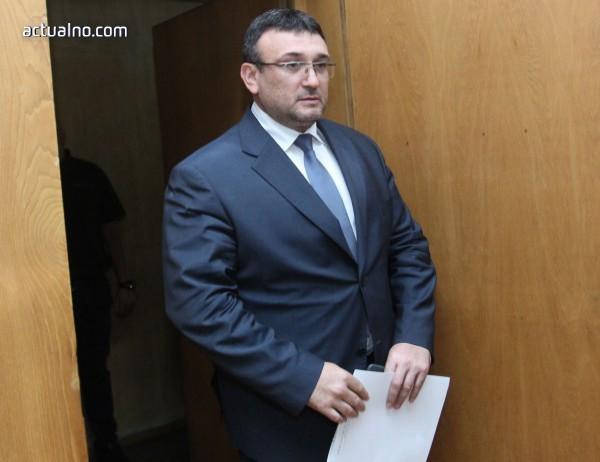 photo of МВР обеща да не нарушава правата на Пелов, ако той се предаде