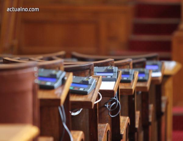 photo of Шестима министри отиват на парламентарен контрол