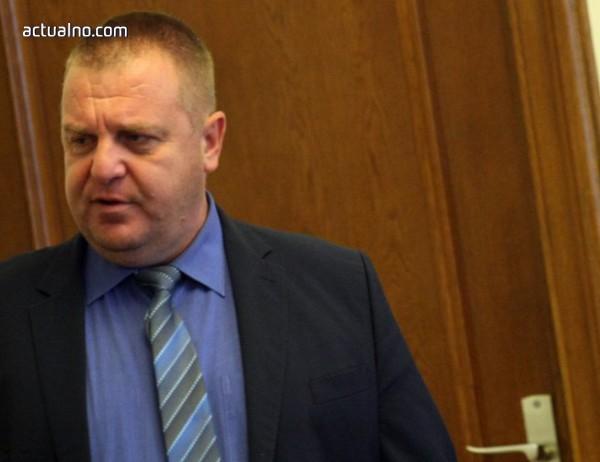 photo of Каракачанов: Не отговарям за това дали някой е информирал президента за Сирия