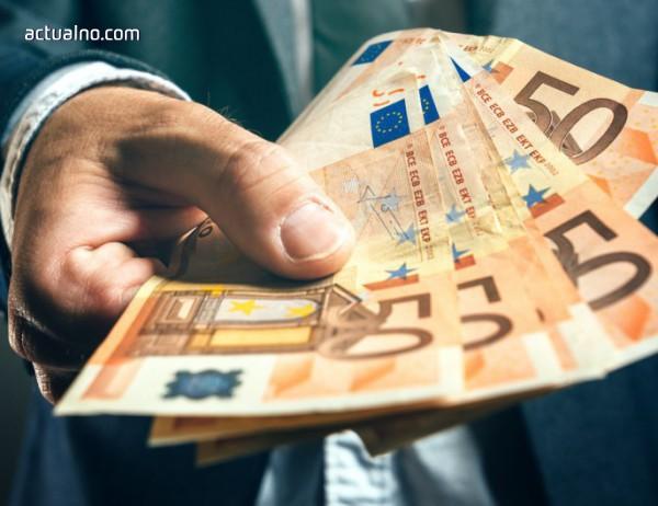 """photo of Златната мина """"еврофондове"""" - как Брюксел иска да ги спре за """"непослушните"""""""