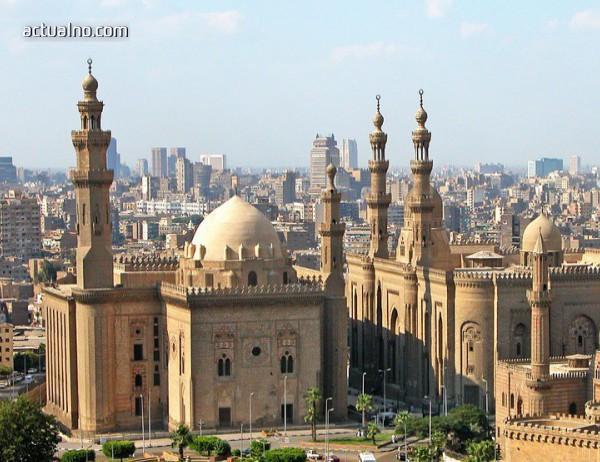 photo of Египетски съд разреши уволнението на брадати полицаи