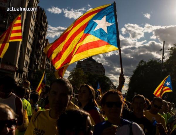 photo of Испанските власти иззеха плакати и брошури за каталунския референдум