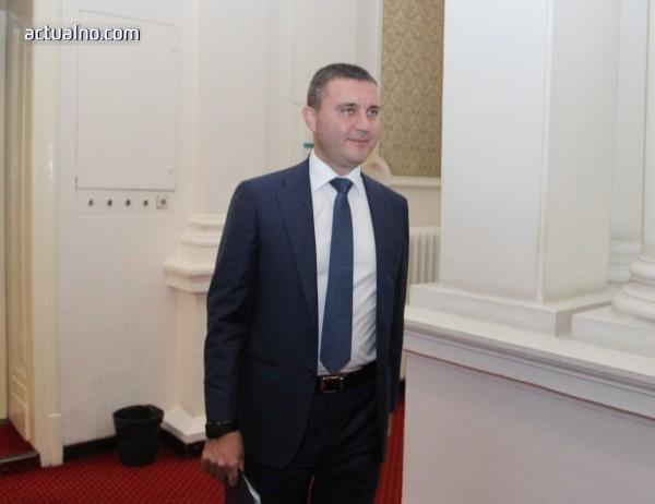 photo of Пред ЕП Горанов се учуди, че има информации за проблеми в българската банкова система