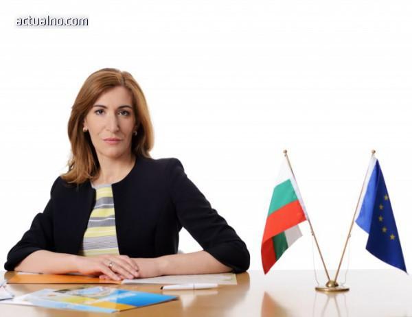 photo of Ангелкова отчита 5% ръст на туристите въпреки времето