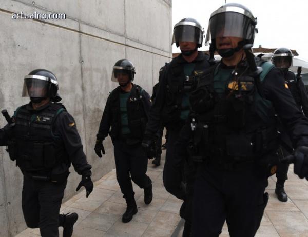 photo of Каталунски канал: Военна полиция тръгва срещу референдума (ВИДЕО)