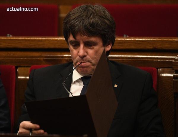 """photo of """"Шарли Ебдо"""": Каталунците са по-големи тъпанари от корсиканците"""