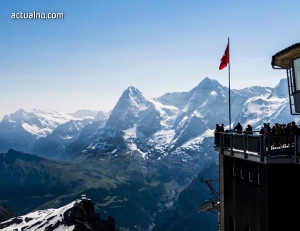 """photo of """"Пиц Глория"""" - един впечатляващ ресторант на върха на планината (СНИМКИ)"""