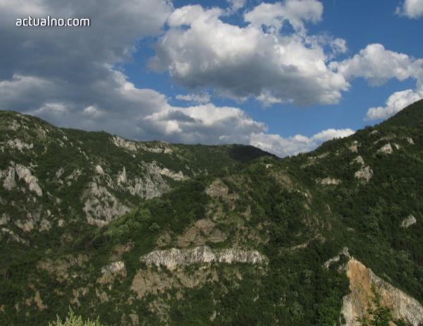 photo of Какви опасности ни дебнат в планината