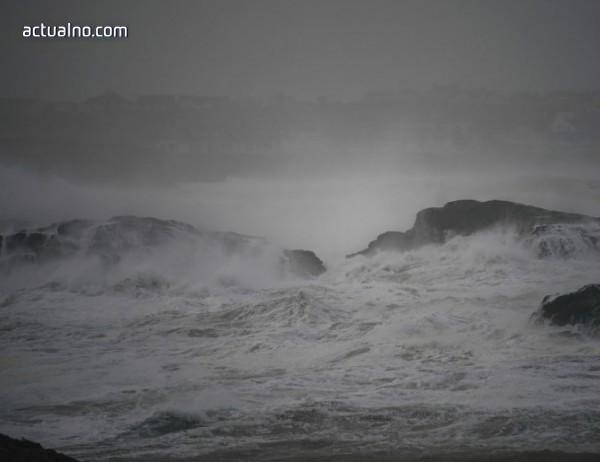 photo of Нов ураган набира сила в Тихия океан, до крайбрежието на Мексико