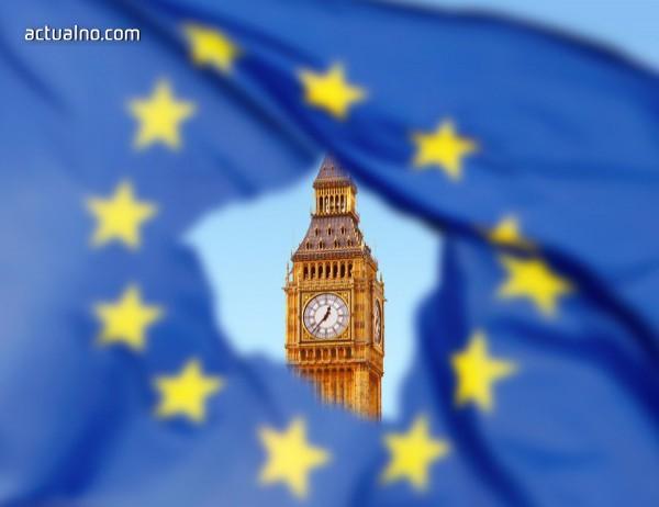 """photo of Банкер го отнесе в социалните мрежи: рече, че британската икономика е в """"менопауза"""""""