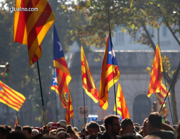 photo of Кметът на Барселона: Каталунските политици измамиха гражданите
