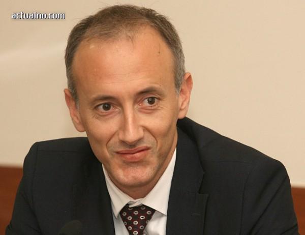 photo of Вълчев: МОН не противопоставя професионалното и профилираното образование