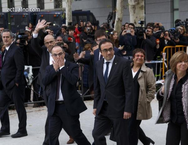 photo of 750 000 поискаха на митинг в Барселона освобождаване на каталунските политици