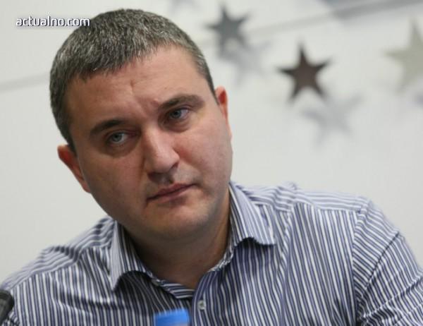 photo of Горанов: Никой не може да уволни това правителство с интервю