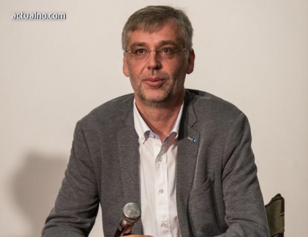 """photo of Виктор Божинов: Искам """"Възвишение"""" да се хареса на най-обикновените хора"""