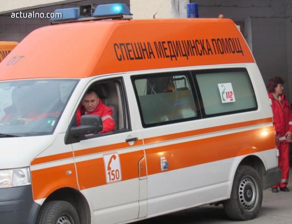 photo of Състезателен автомобил се вряза в публиката на рали в Шумен, има ранени