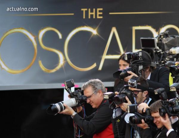 """Вижте кои звезди ще раздават наградите """"Оскар"""""""