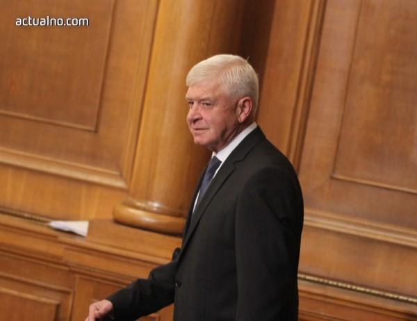 photo of Ананиев: Няма наложени ограничения за лъчелечение на онкоболните